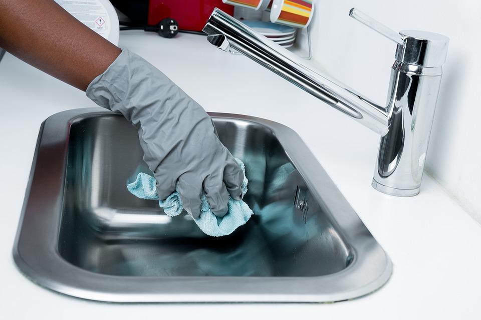 čistenie umývadla
