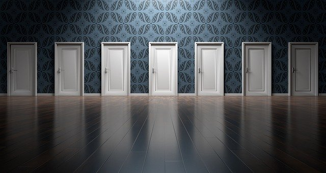 bílé dveře.jpg