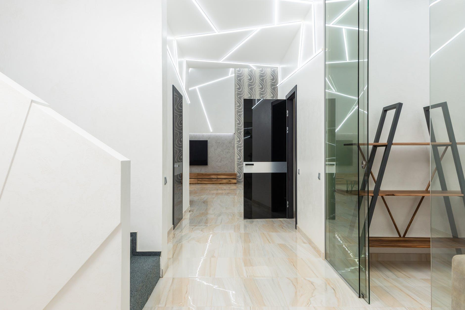 interiér, sklenené dver