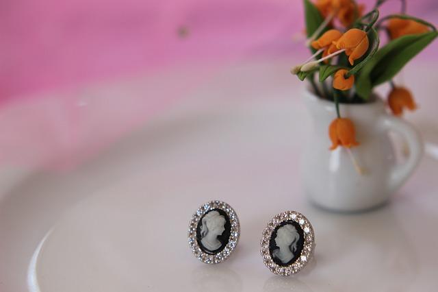 jewelry-4134190_640